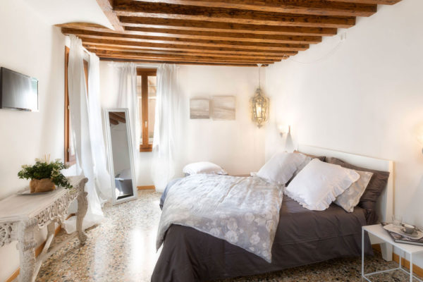 poveglia-camera-B&B-bed-and-breakfast-Venezia-laguna-724-EVI